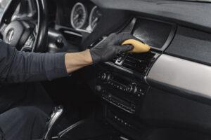 Reinigung im Innenraum, Fahrzeugpflege